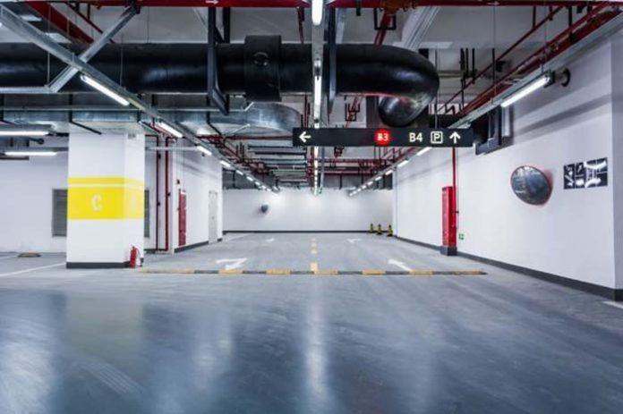 Garagem com condomínio