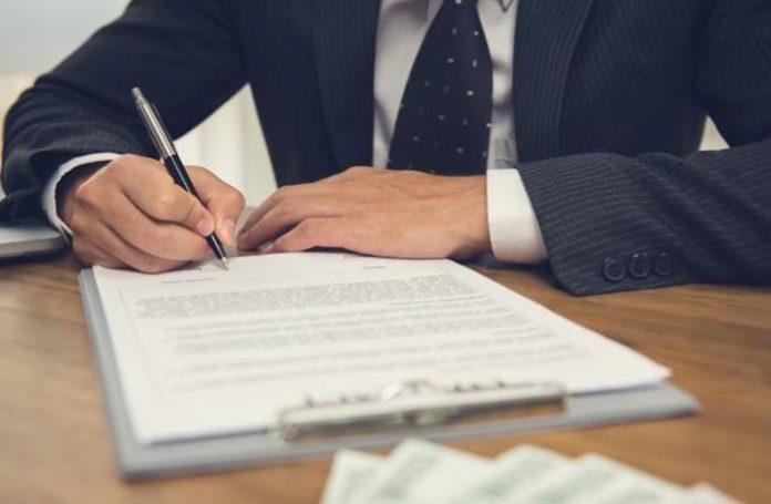 A cobrança de multa nos contratos de prestação de serviços