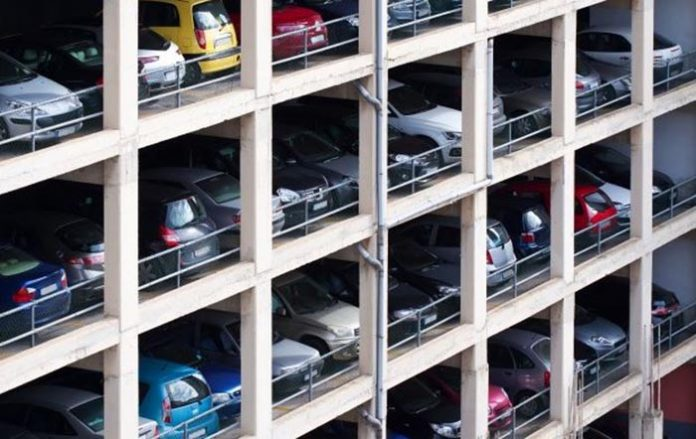 estacionamento do condomínio?