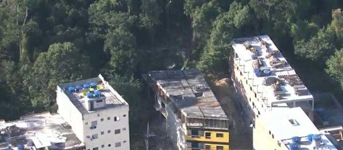 Sem fiscalização, construções irregulares avançam em encosta na Zona Oeste do Rio