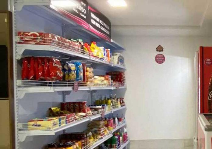 Empresa instala 'mercados rápidos' em condomínios para reforçar isolamento na Paraíba.
