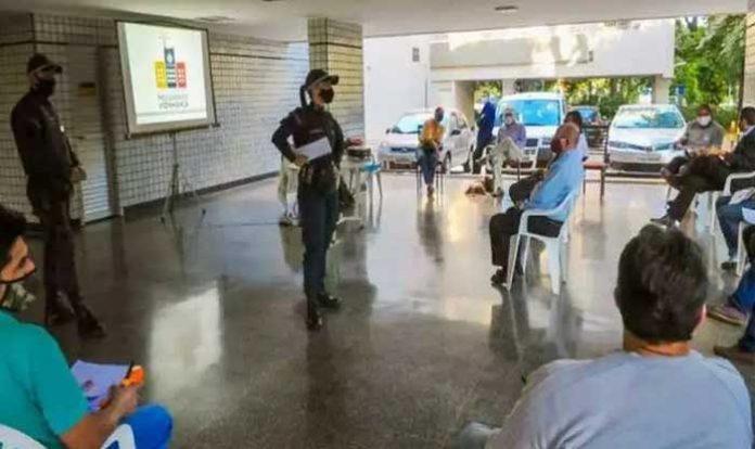 Porteiros recebem treinamento da PM para reforço de segurança na Asa Sul.