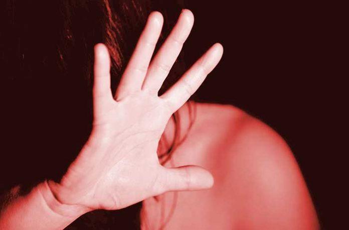 Aprovado projeto que obriga síndico a denunciar violência doméstica.