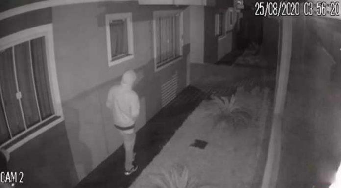ladrão invadindo condomínio