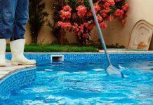 A limpeza e tratamento da piscina pode ser feita pelo zelador?