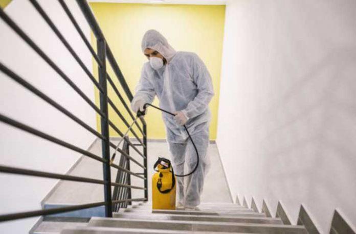 Higienização dentro de área interna de condomínio