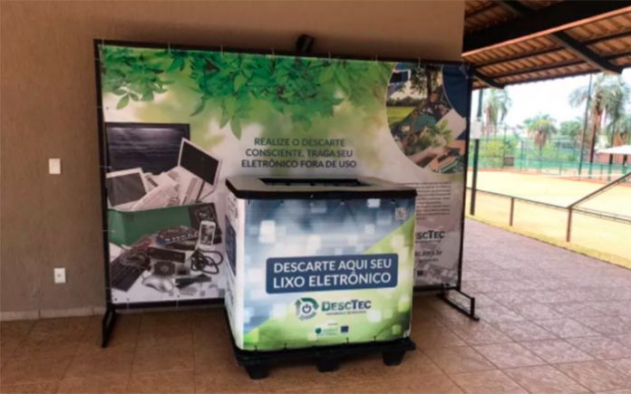 Projeto arrecada material eletrônico para ser convertido em alimentos, em Goiânia — Foto: Desctec/Divulgação