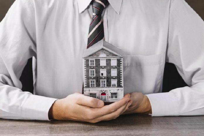 A constituição do condomínio ocorre com a ata de Assembleia Geral de Constituição de Condomínio.